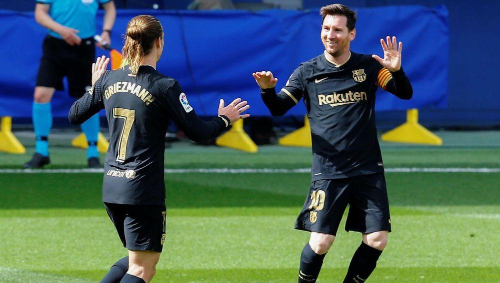 El Barcelona gana al Villarreal con dos goles de Griezmann y sigue en la lucha por LaLiga