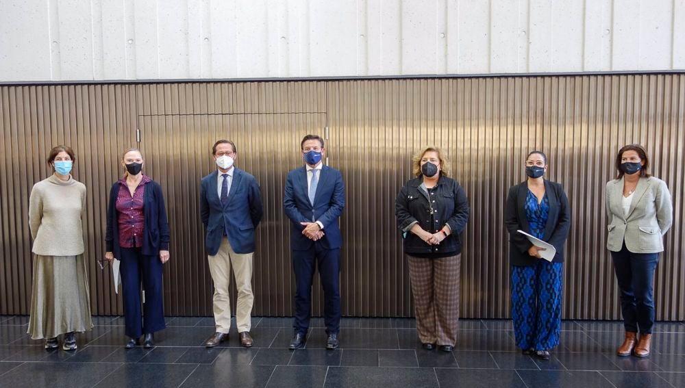 El Centro Lorca acoge una muestra con las propuestas artísticas de ocho creadores vinculados a Granada
