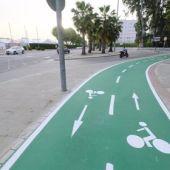 Imagen de archivo del carril bici de la Avenida Juan Pablo II de Sevilla