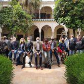 El delegado de turismo en el Ayuntamiento de Sevilla, Antonio Muñoz, junto a representantes del Festival