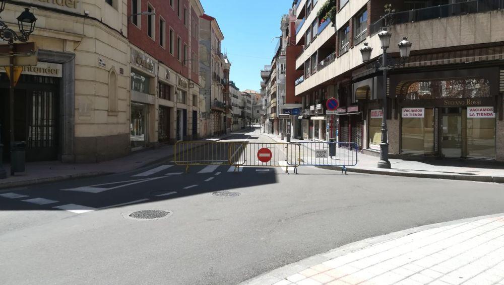 El PSOE insiste en la idoneidad de cerrar al tráfico Don Sancho y La Cestilla desde los viernes por la tarde