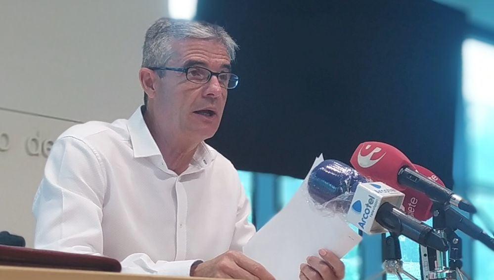 El alcalde de Arcos, Isidoro Gambín, en rueda de prensa