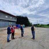 Los responsables del Ayuntamiento y el Club visitan la zona