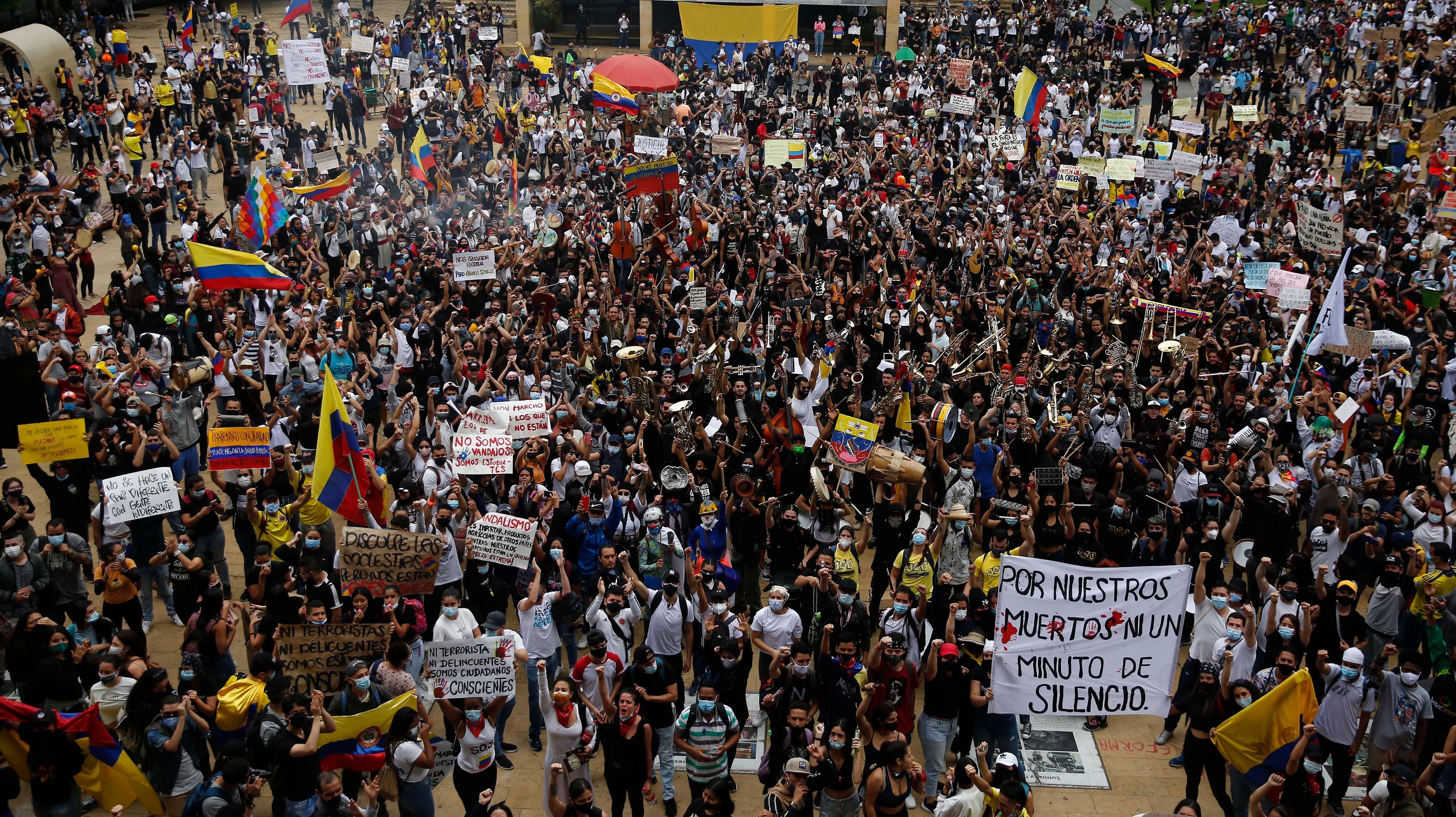 Desde la clandestinidad: Las protestas de Colombia y uno de sus peores tumores