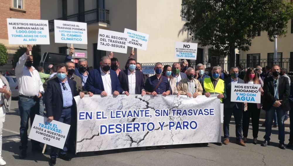 Los regantes denuncian que la modificación de las reglas de explotación del trasvase tiene motivos políticos