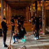 La Policía controlará plazas, parques y playas para que no se celebren botellones.