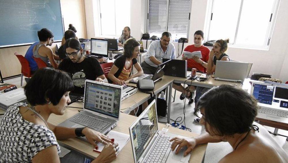 La Universidad Popular de Cáceres aprueba el presupuesto para este año que asciende a 1,28 millones de euros