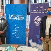 Firma del convenio entre el Colegio de Veterinarios y el Banco de Alimentos de Granada