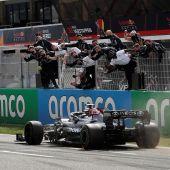Hamilton reina en Barcelona, con Sainz séptimo y Alonso décimoséptimo