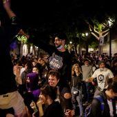 LaSexta Noticias Fin de Semana (09-05-21) Fiestas en la calle y aglomeraciones sin distancia de seguridad en las primeras horas sin estado de alarma