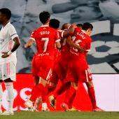 El Sevilla celebra un gol en Valdebebas.
