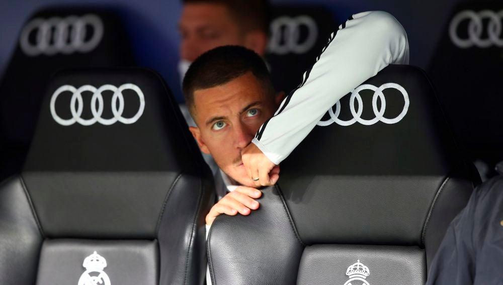 Eden Hazard, en el banquillo del Real Madrid.