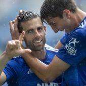 Rodri Ríos festeja con Edgar González su gol ante el Sabadell.