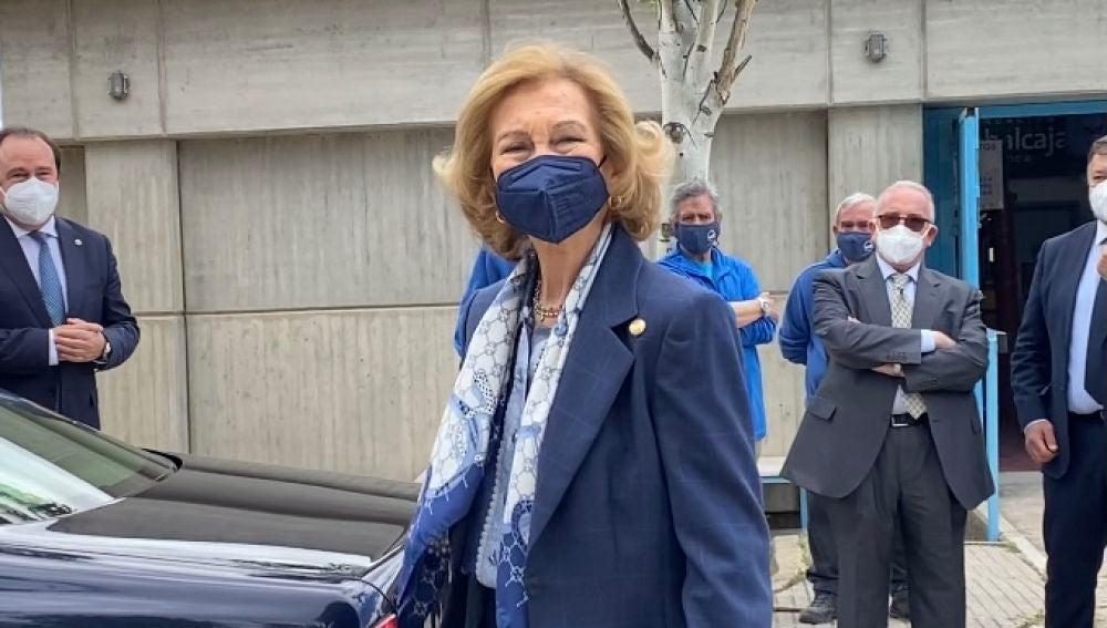 """La reina Sofía califica en Cuenca de """"esencial"""" la labora del Banco de Alimentos"""