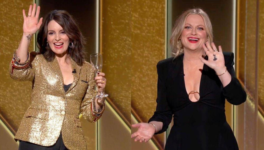 Las actrices Tina Fey y Amy Poehler, durante la retransmisión de los Globos de Oro 2021