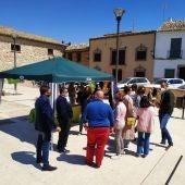 Mesa informativa de VOX Cuenca el pasado mes de abril en El Pedernoso