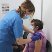 Salud prevé que 7 de cada 10 persones mayores de 50 años este vacunada a mediados de junio