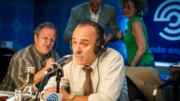 El actor Javier Gutiérrez, caracterizado como 'Paco El Cóndor' en la serie 'Reyes de la noche'