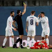 Casemiro vio la cartulina amarilla ante el Sevilla