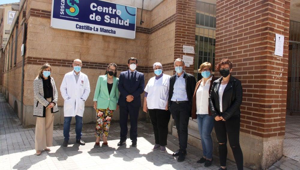 La delegada provincial de Sanidad en Toledo visita el Centro de Salud de Madridejos