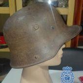 Recuperan un casco de la I Guerra Mundial en una operación en Marbella