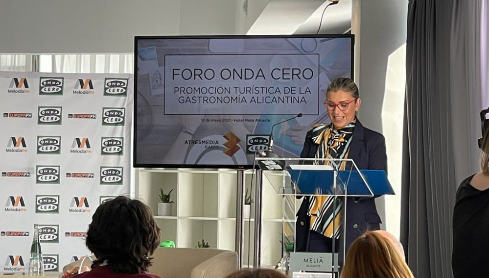 Mari Carmen Sánchez, vicealcaldesa de Alicante, en el discurso de apertura.