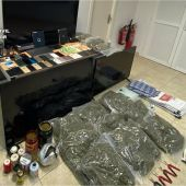 Objetos y droga intervenida