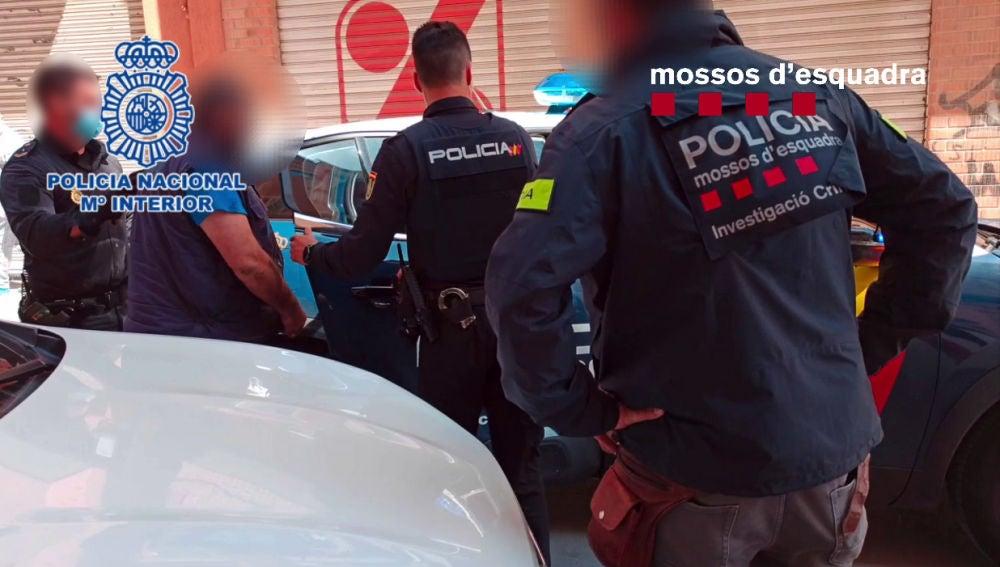 Agentes de la Policía Nacional y de los Mossos d´Esquadra