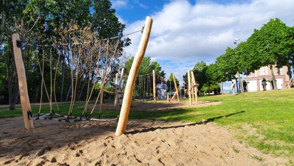Vil,amuriel inaugura el parque multiaventuras y zona de esparcimiento