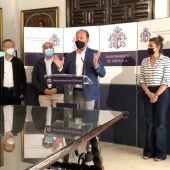 Víctor Valverde ha explicado que se están dando ya los últimos retoques a lo que va a ser tanto el pabellón de Orihuela como la campaña de marketing y difusión