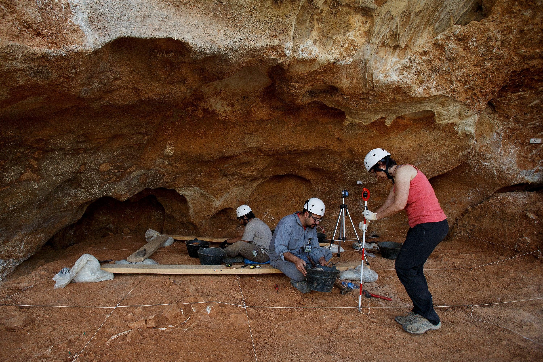 """Juan Luis Arsuaga: """"Por primera vez, hemos descubierto ADN nuclear de neandertales a partir de sedimentos"""""""