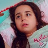 """Öykü sabe que debe recordar algo importante: """"¿Conocía  al señor  Demir de antes?"""""""