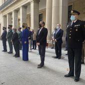 La Delegada del Gobierno, Pilar Alegría, ha encabezado la concentración ante la Delegación del Gobierno