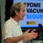 Fernando Simón plantea vacunar con Pfizer también a los mayores de 60 años que recibieron la primera dosis de AstraZeneca