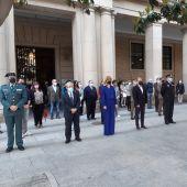 El Justicia Ángel Dolado, Pilar Alegría y el presidente de la DPZ, Juan Antonio Sánchez Quero, en la concentración de la Delegación