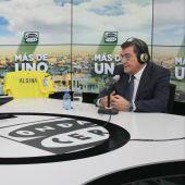 El ministro José Luis Escrivá durante una entrevista con Carlos Alsina en Más de uno