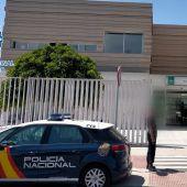 La Policía Nacional detiene a un hombre por entrar en un centro de salud con actitud agresiva y desafiante