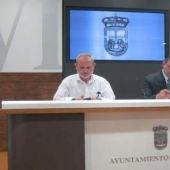 Jorge Cuesta, presidente de AVISPA, en una rueda de prensa en el Ayuntamiento de Oviedo.