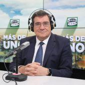 El ministro José Luis Escrivá en los estudios de Onda Cero