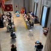 El pleno aprueba la financiación plurianual de la Plaza de España