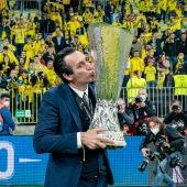 Unai Emery con la Copa
