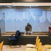 Los acusados Mohamed Houli Chemial, Driss Oukabir y Said Ben Iazza durante el juicio en su contra en la Audiencia Nacional en San Fernando de Henares.