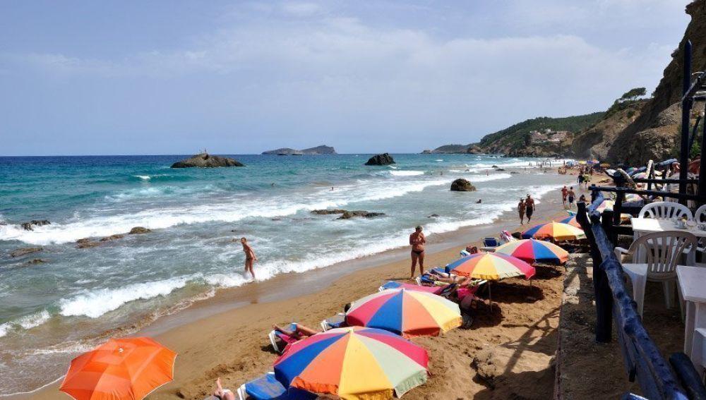 Playa Aigües Blanques (Santa Eulària des Riu, Ibiza)