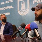 Juan Ruiz Henestrosa en el Ayuntamiento de Rota
