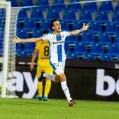 Rubén Pardo celebra un gol