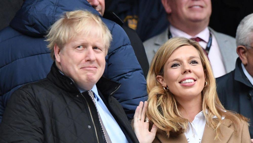 """Boris Johnson y su novia Carrie Symonds se casan """"en secreto"""" en la catedral de Westminster"""