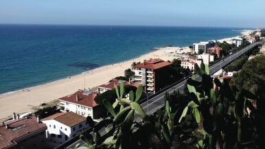 Playa dels Tres Micos (Caldes d'Estrac, Barcelona)