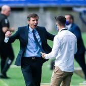 Ziganda festeja un gol del Oviedo.