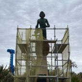 El Monumento al Hombre del Mar fue inaugurado en mayo de 1975 y esculpido por el catalán Josep Ricart i Maimir, se trata de uno de los grandes símbolos de la ciudad