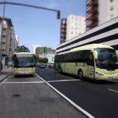 Autobús interurbano en el Hospital Puerta del Mar